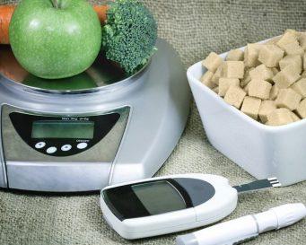 ваги, овочі, цукор, глюкометр